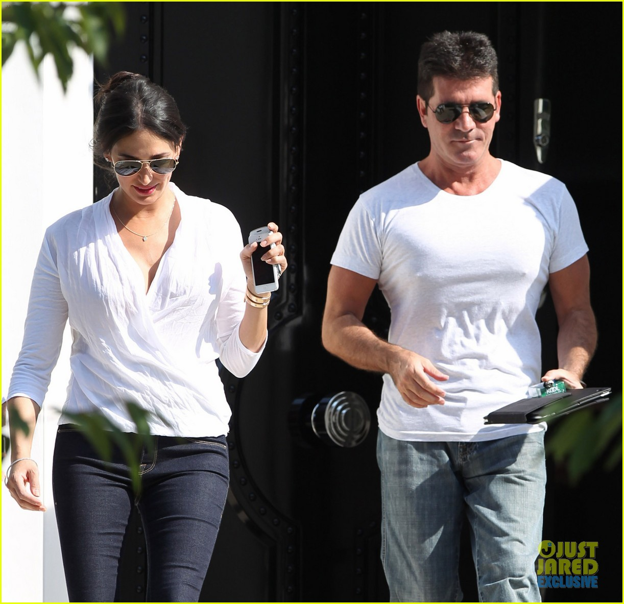 simon cowell kisses pregnant lauren silverman after dinner 062939682