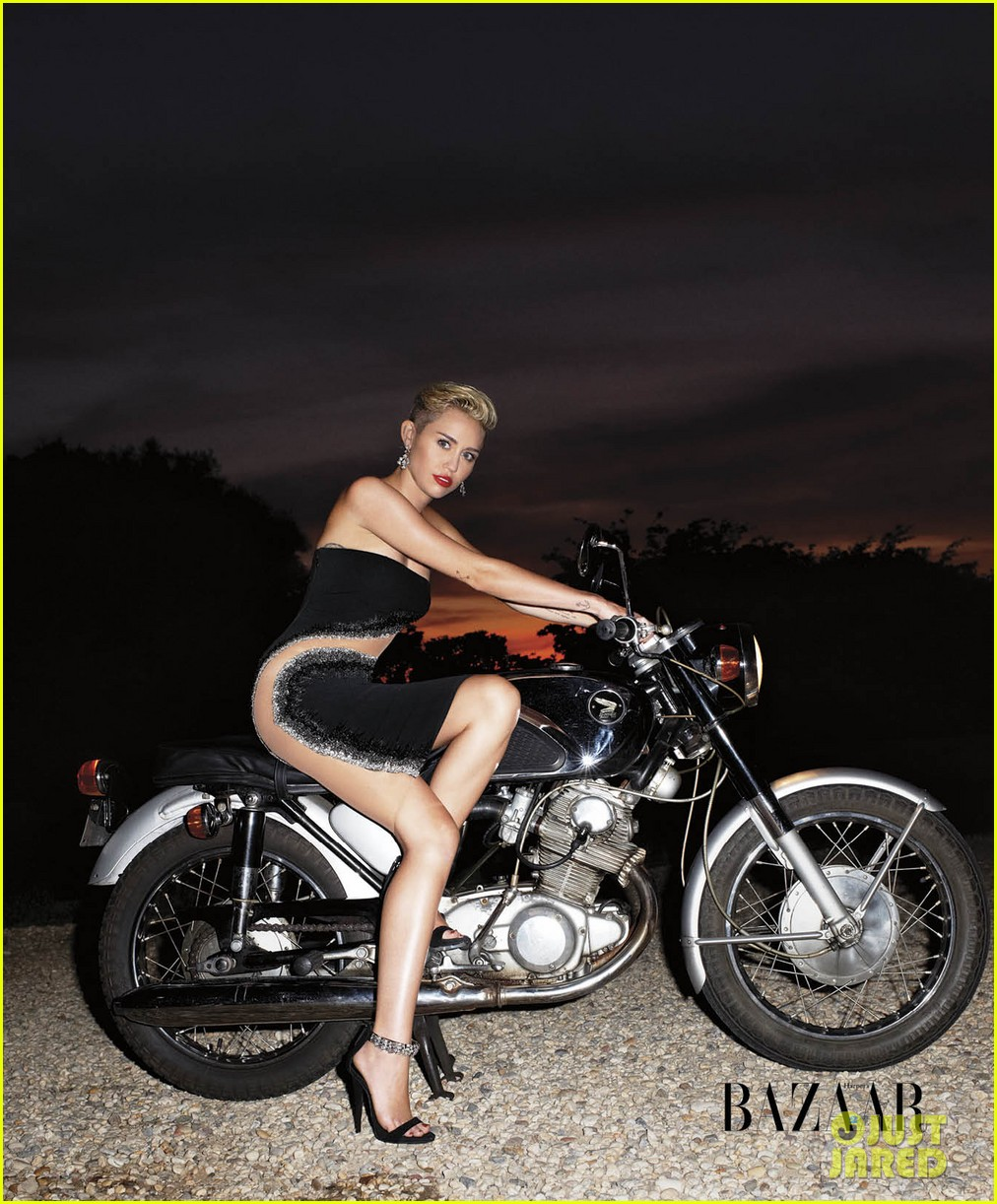 miley cyrus fashion spread for harpers bazaar 02
