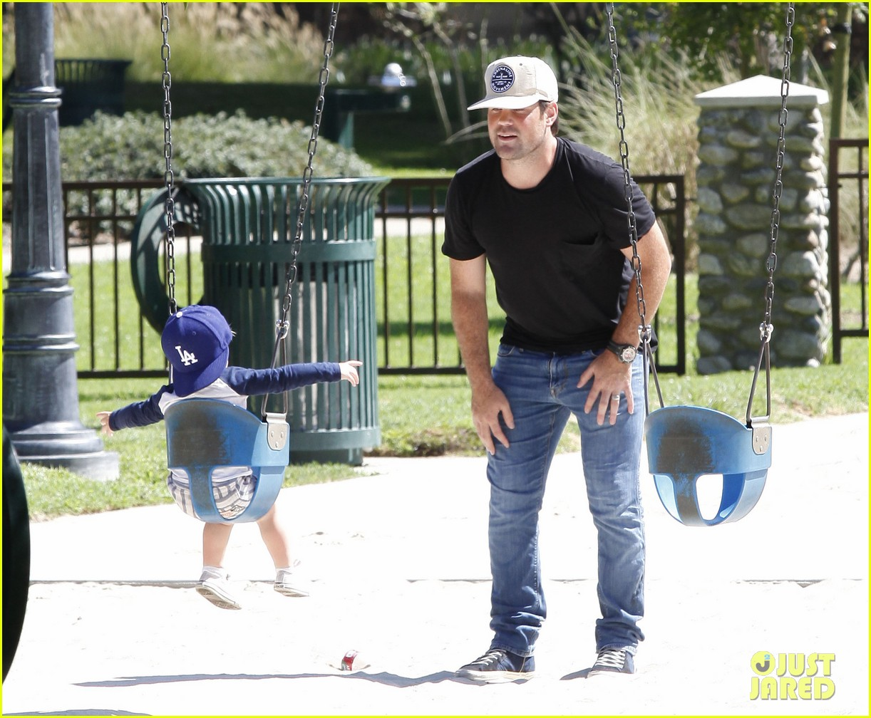 hilary duff mike comrie park day with luca 14