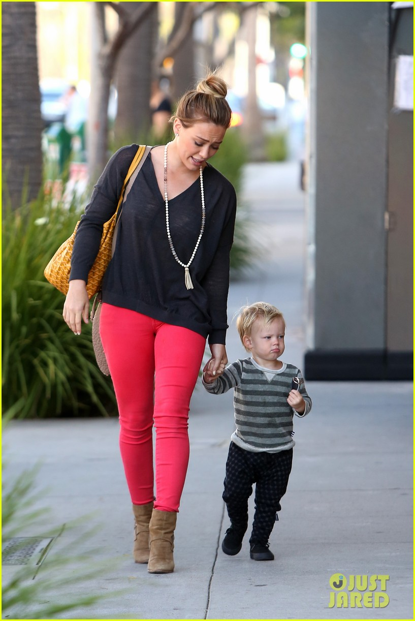 hilary duff has the perfect family says kelly osbourne 032934758