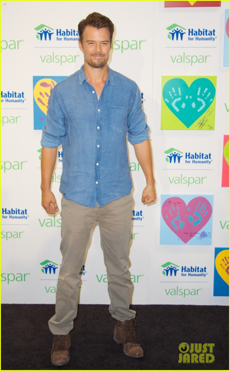 josh duhamel lends a helping hand at valspar charity event 22