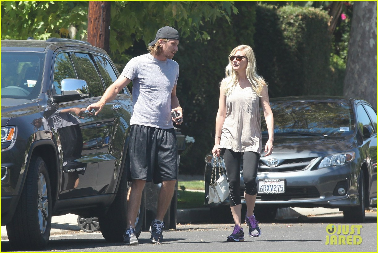 kirsten dunst garrett hedlund workout wednesday 09