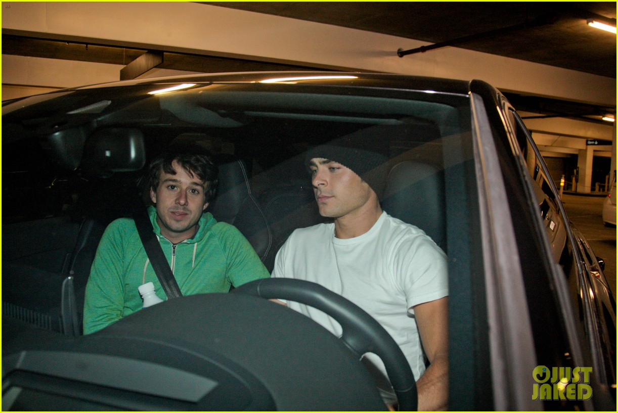 zac efron goes to the movies with a friend 15