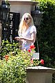 elle fanning visits friends on the weekend 17