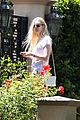 elle fanning visits friends on the weekend 19