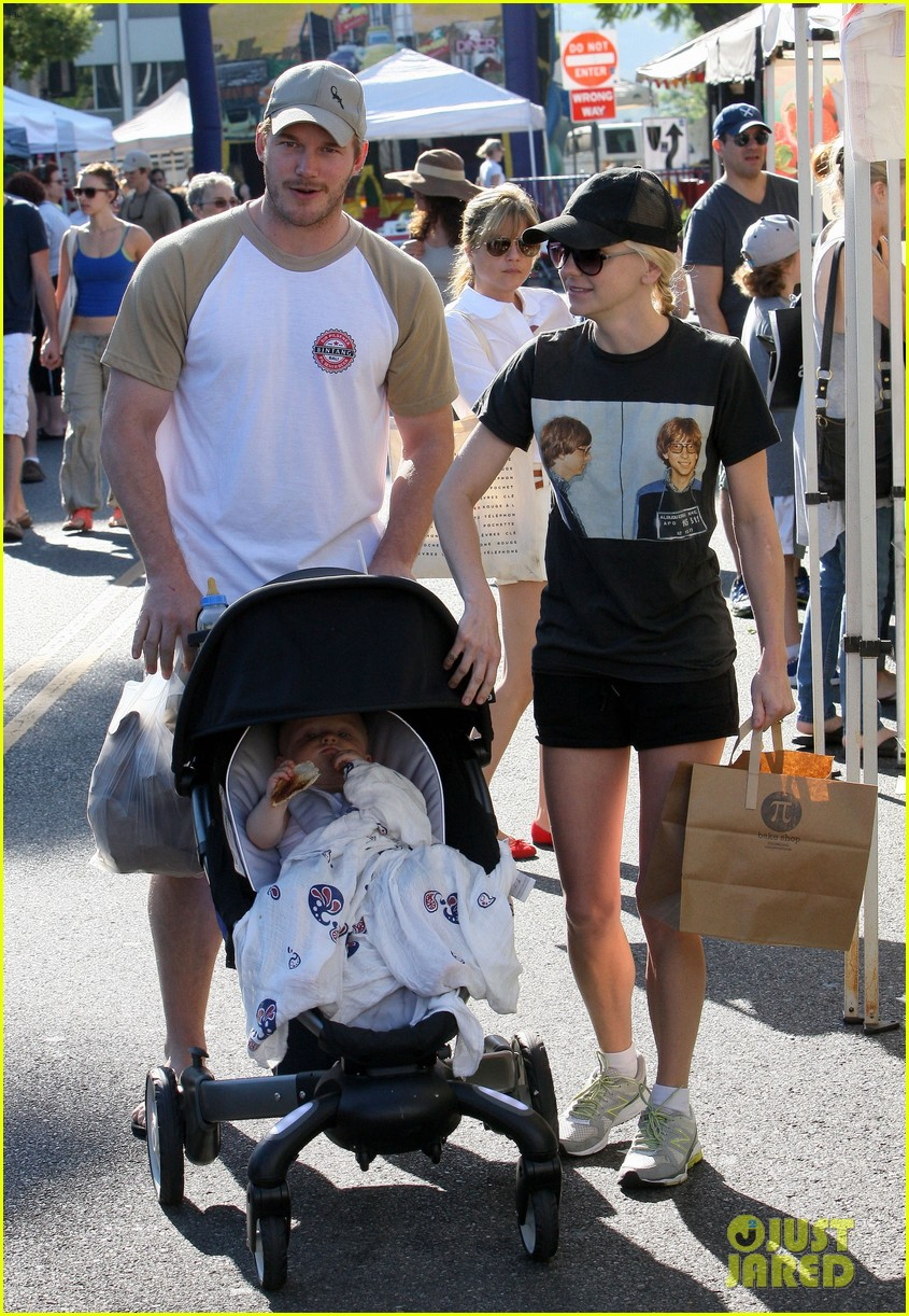 anna faris chris pratt celebrate son jack first birthday 132938429