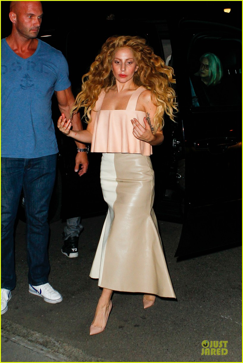 lady gaga blows kisses to fans after hard working day 092936558