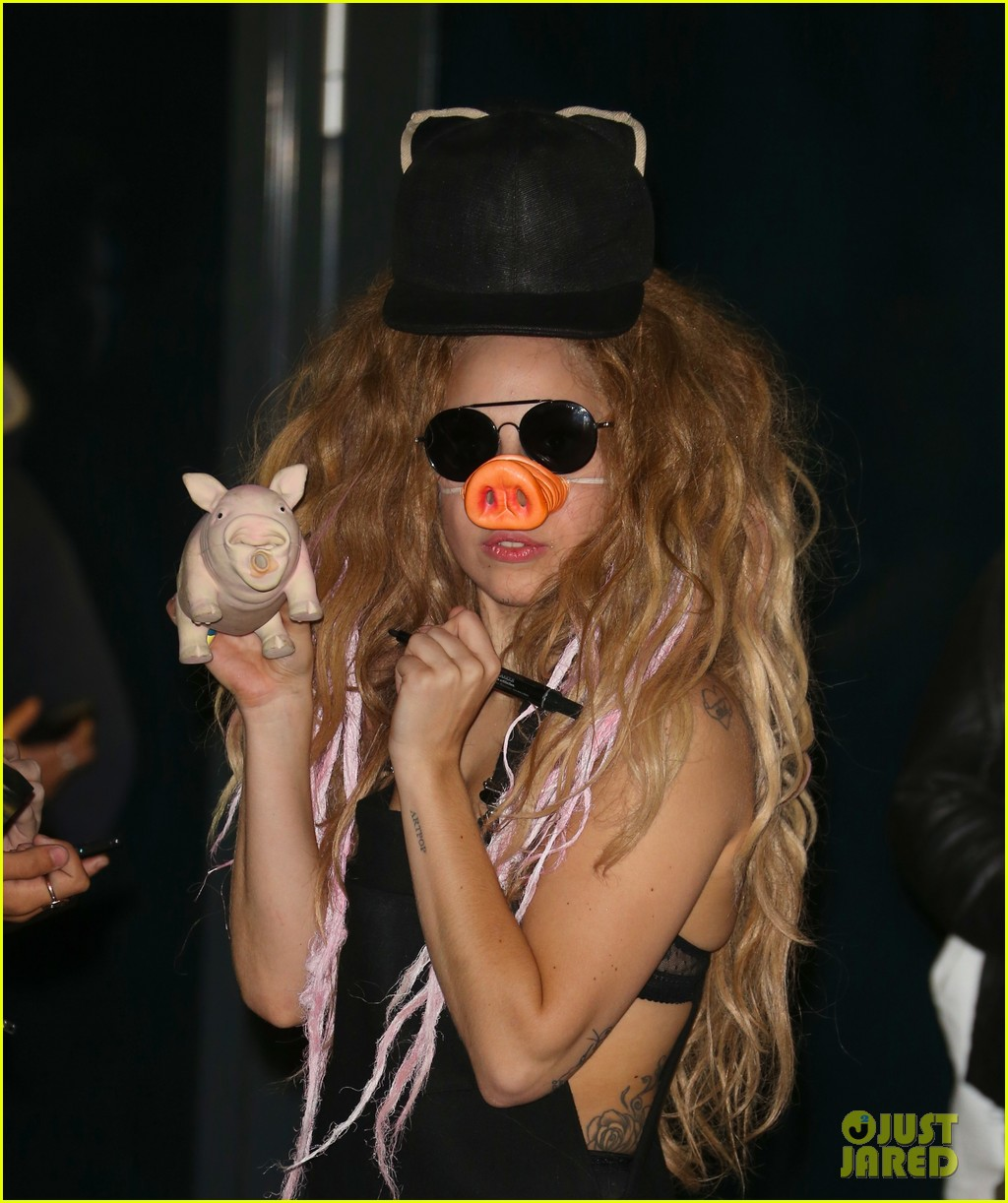 lady gaga wears pig nose at london rehearsal studio 112940927