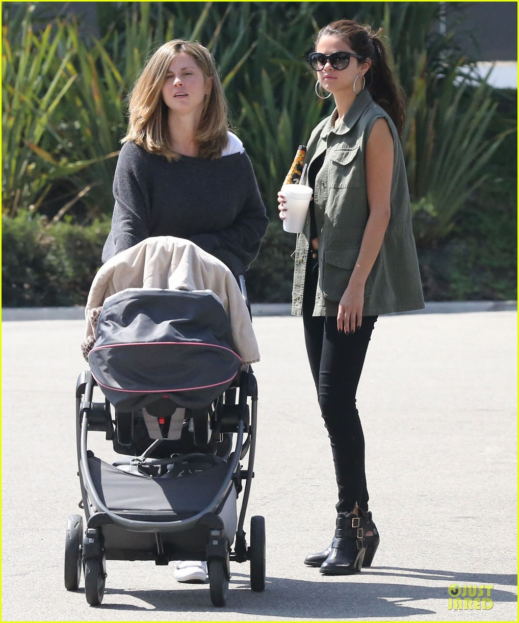 selena gomez bonds with baby sister gracie 032927436