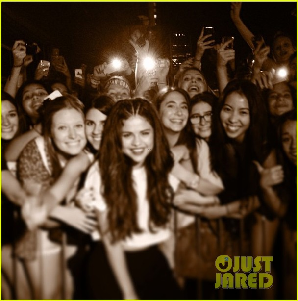 selena gomez montreal concert crowd made me cry 06