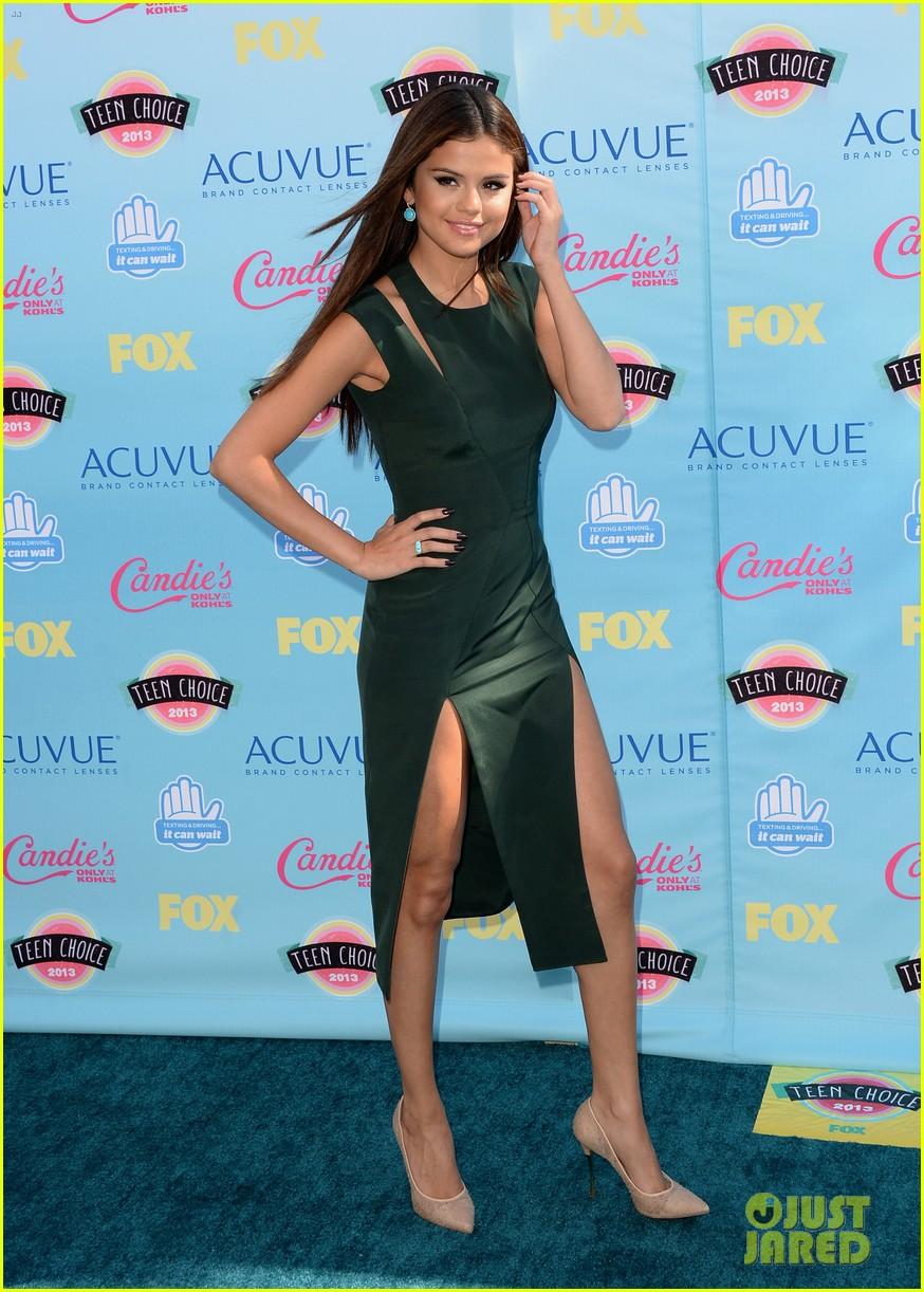 Selena Gomez - Teen Choice Awards 2013 Red Carpet: Photo 2928312 ...