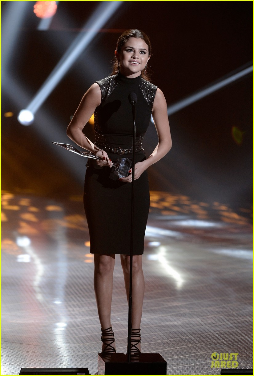 selena gomez young hollywood awards 2013 honoree 01