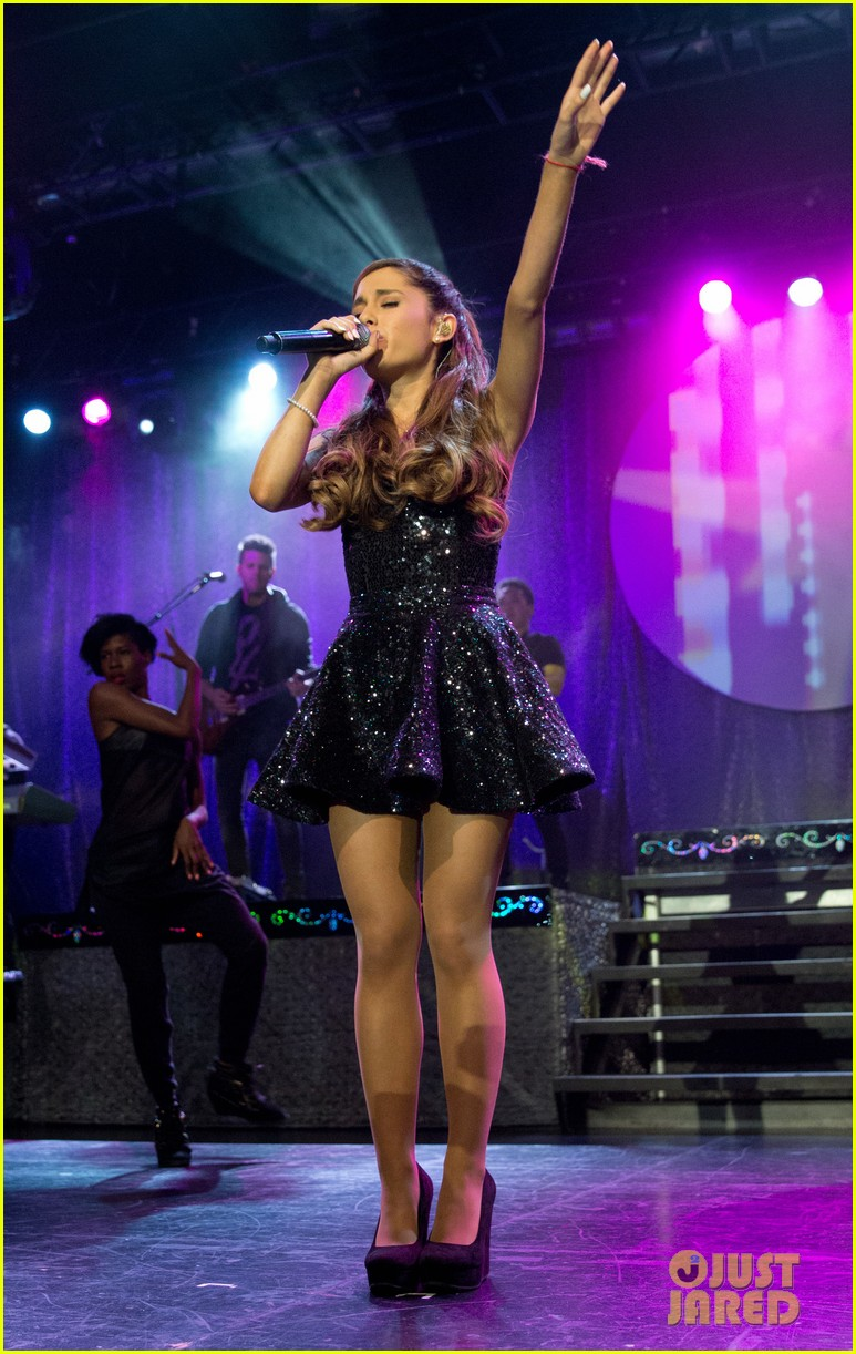 ariana grande the listening sessions in new york city 10