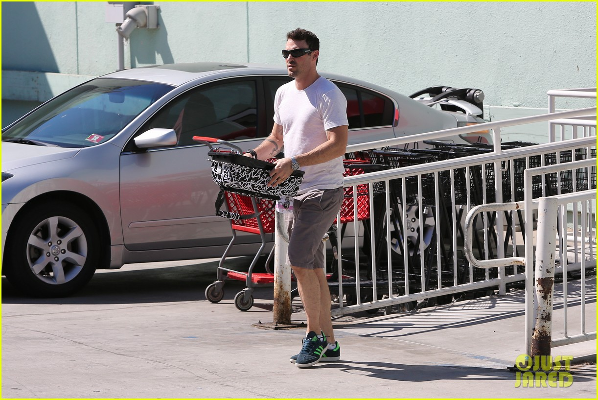 brian austin green picks up pet supplies 06