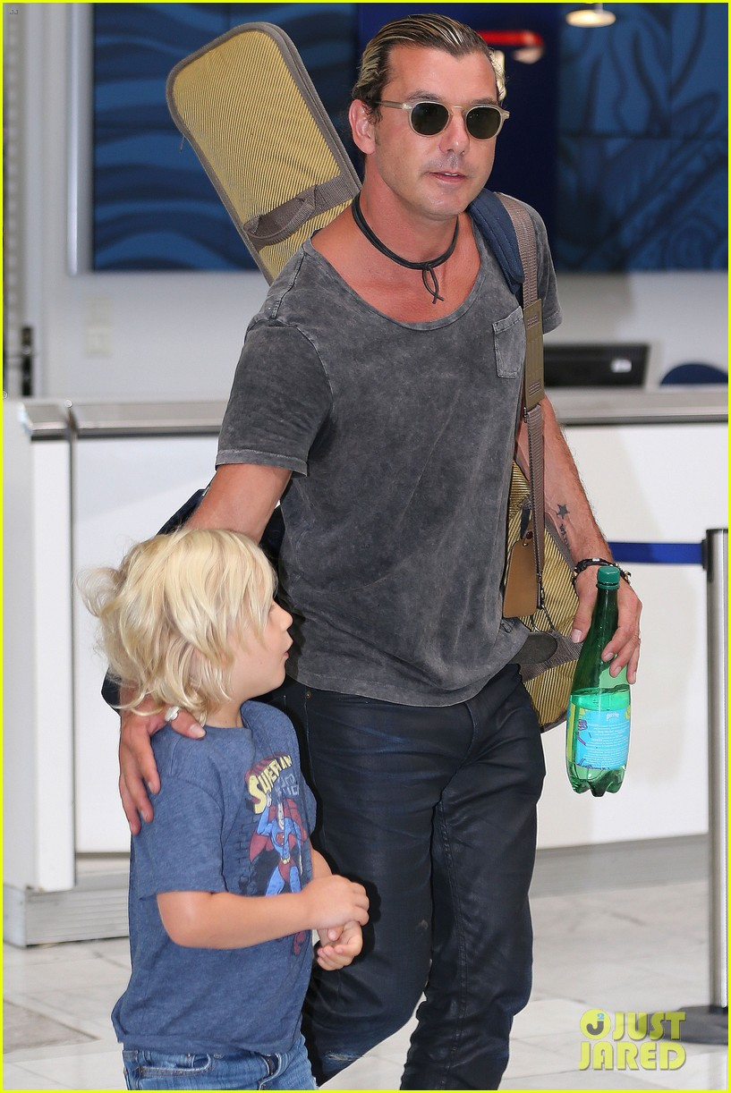 gwen stefani gavin rossdale back after paris vacation 052932939