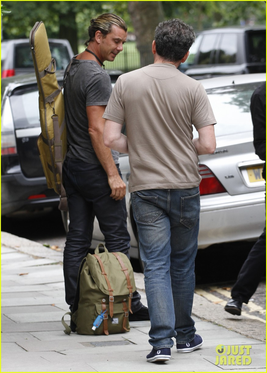 gwen stefani gavin rossdale back after paris vacation 41