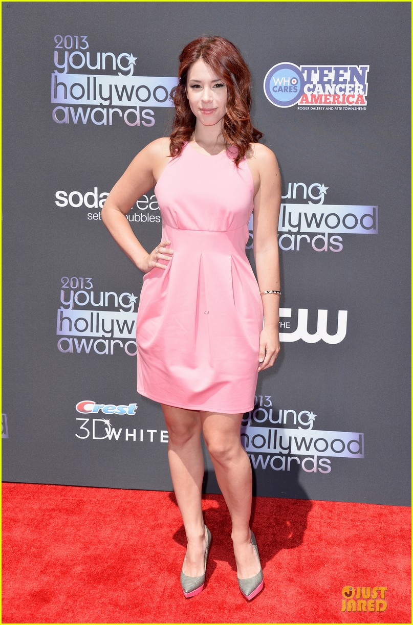 lucy hale young hollywood awards 2013 red carpet 05