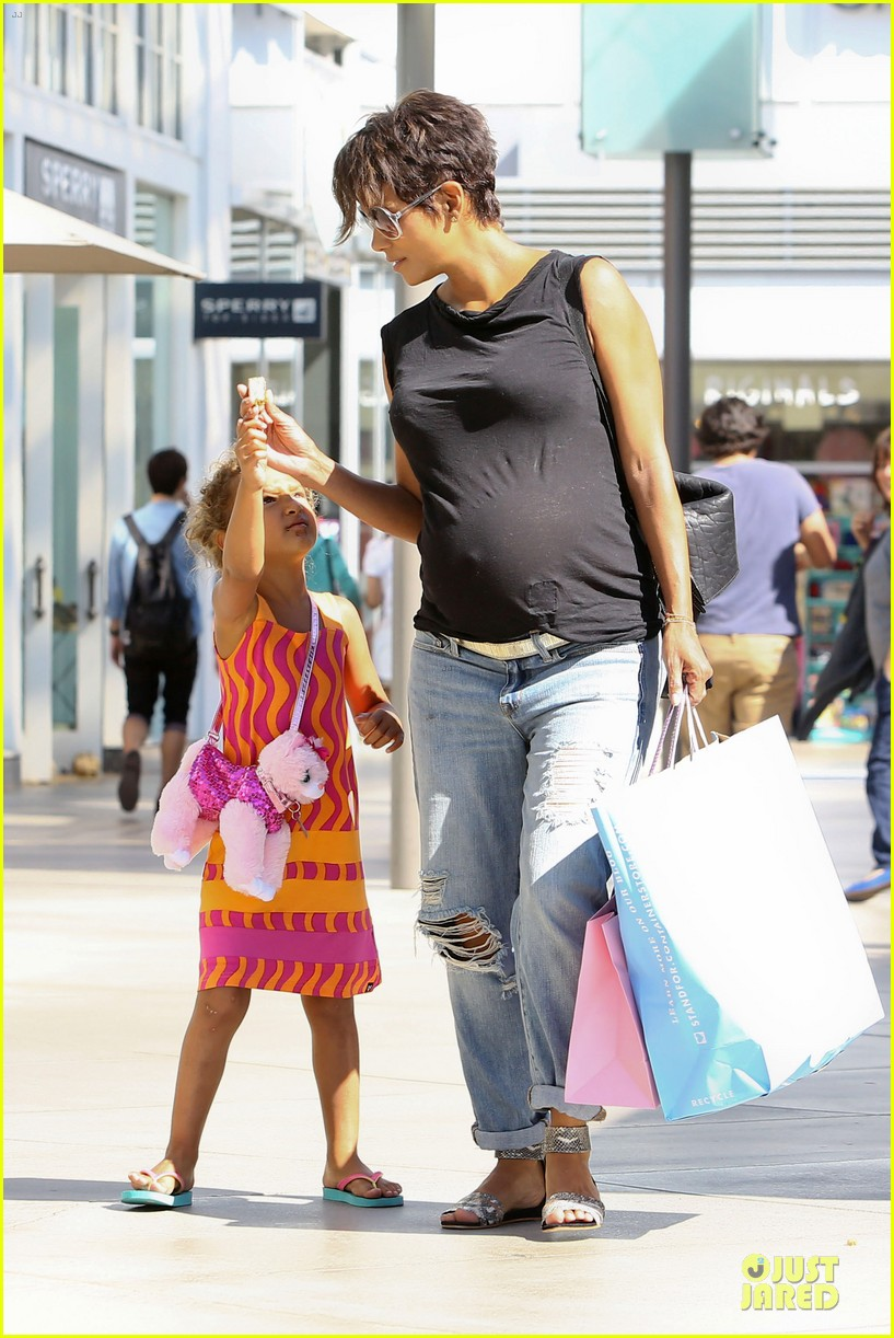 halle berry pregnancy colored involvement on x men 132924494