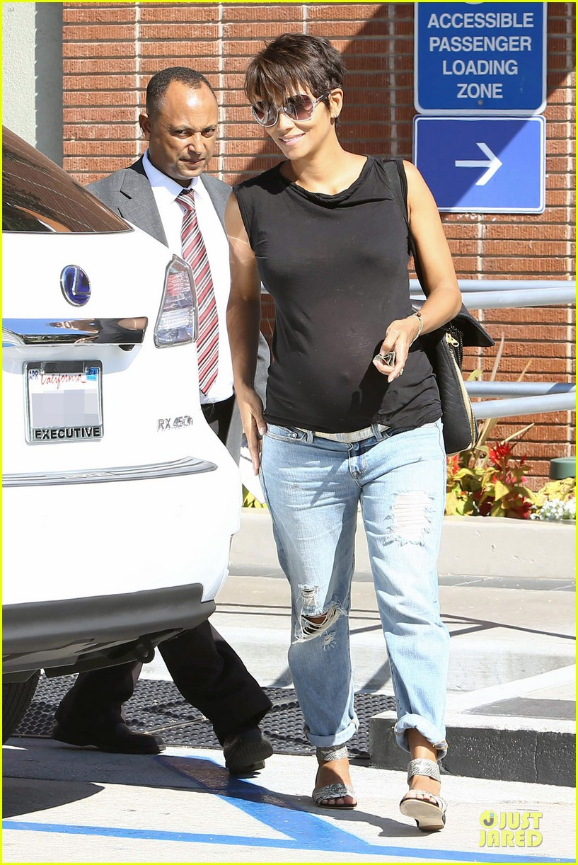halle berry pregnancy colored involvement on x men 142924495