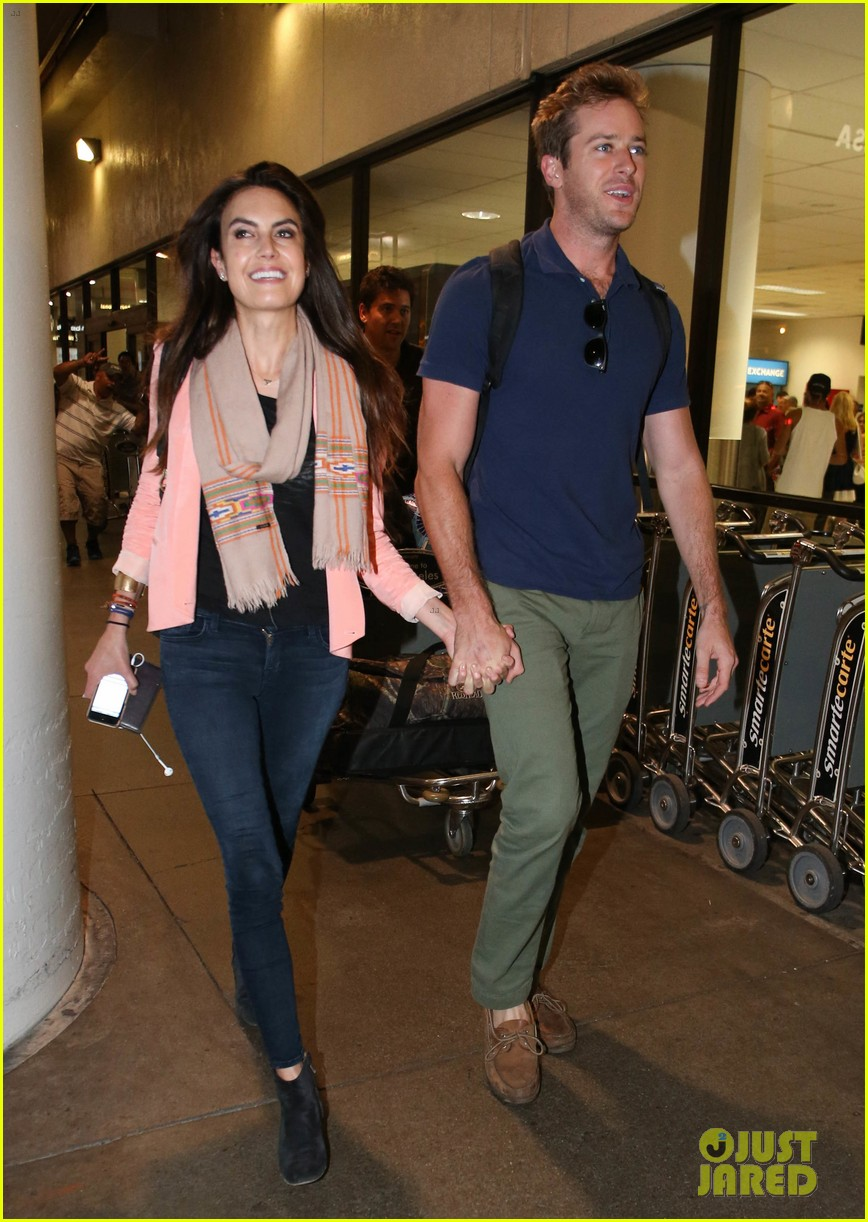 armie hammer elizabeth chambers post b day lax arrival 11