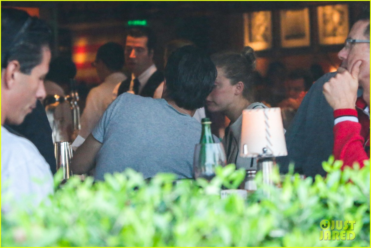 amber heard grabs dinner with talent agent christian carino 03