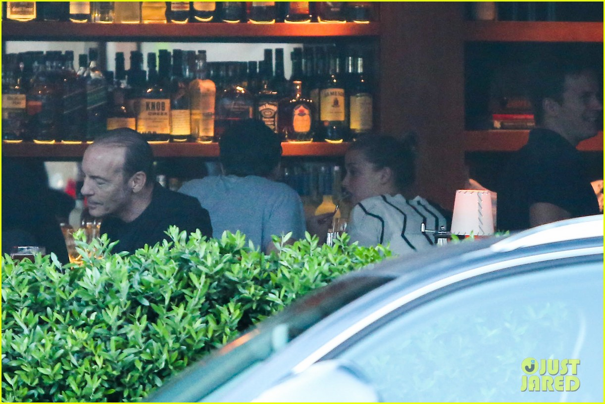 amber heard grabs dinner with talent agent christian carino 082924066
