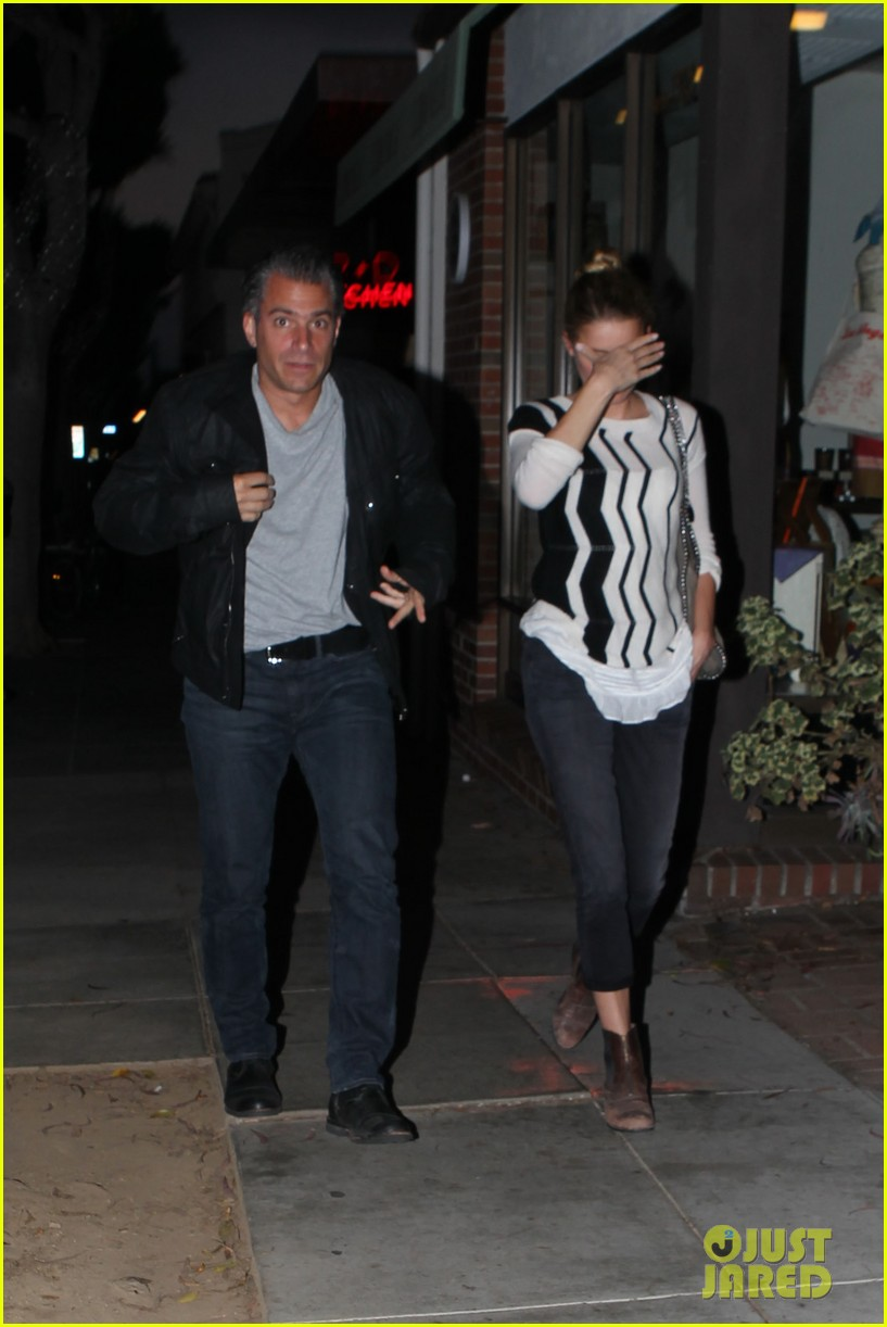 amber heard grabs dinner with talent agent christian carino 15