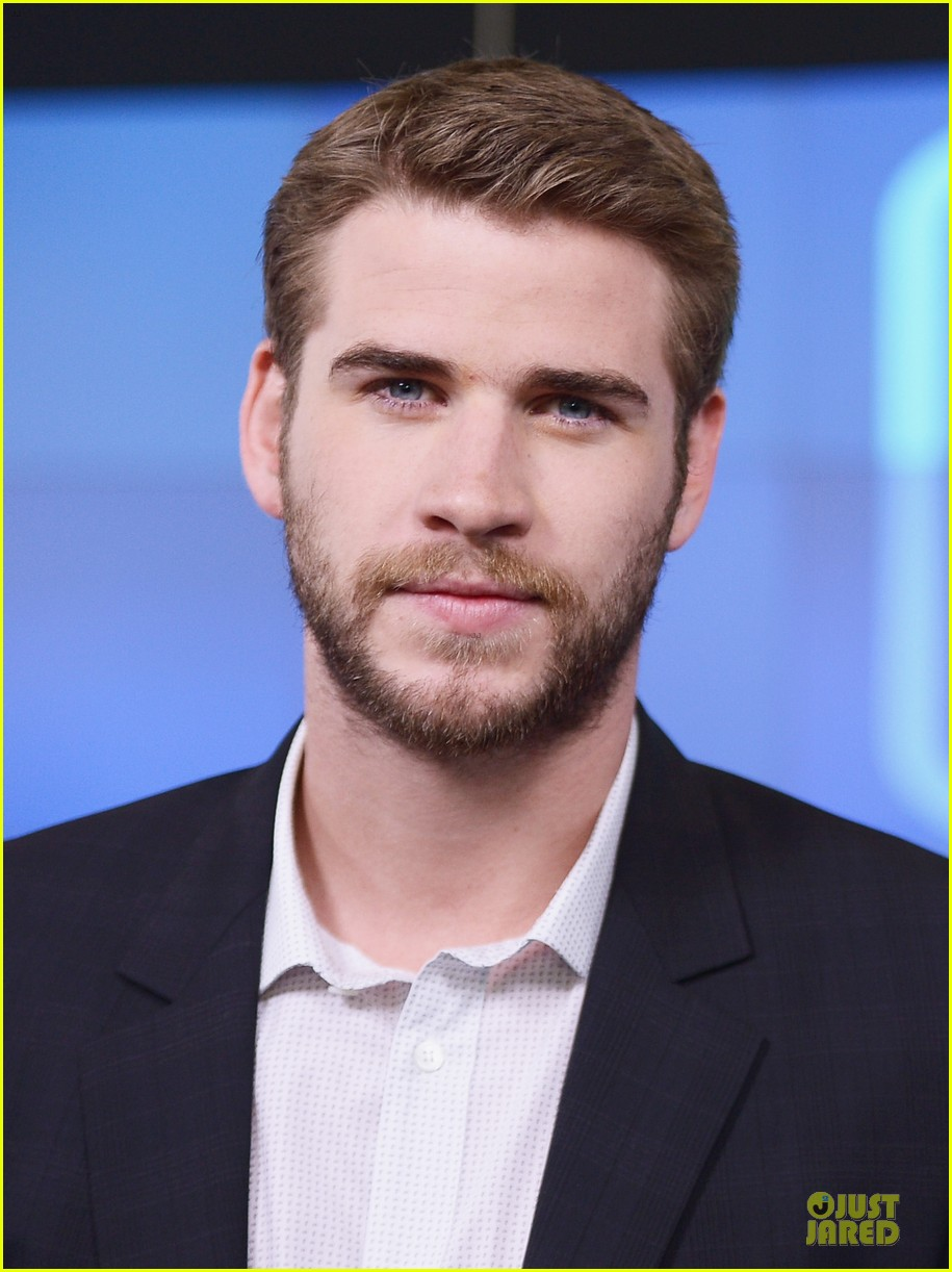liam hemsworth i was pranked during paranoia love scene 102925010