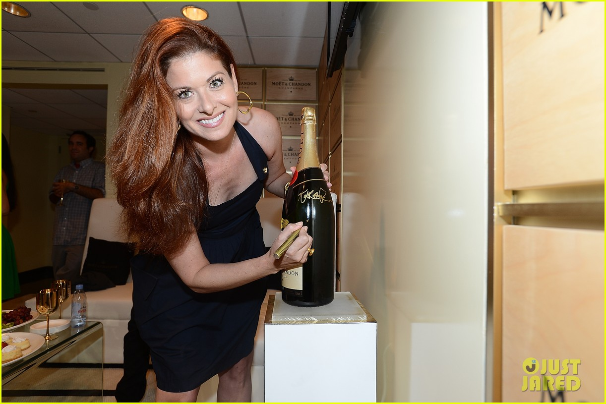 megan hilty debra messing smash reunion at us open 22
