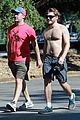 emile hirsch shirtless fryman canyon park hike 03
