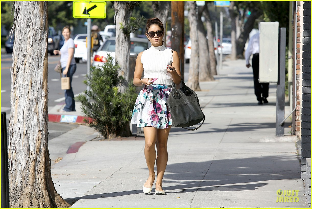 vanessa hudgens i love exploring brooklyn 15