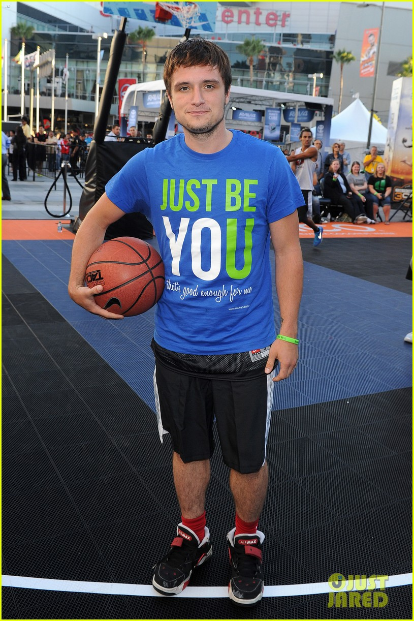 josh hutcherson james lafferty sbnn basketball game 03