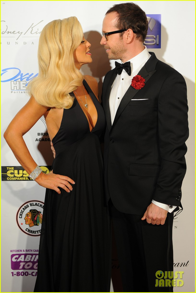 jenny mccarthy donnie wahlberg first couple appearance 042937287
