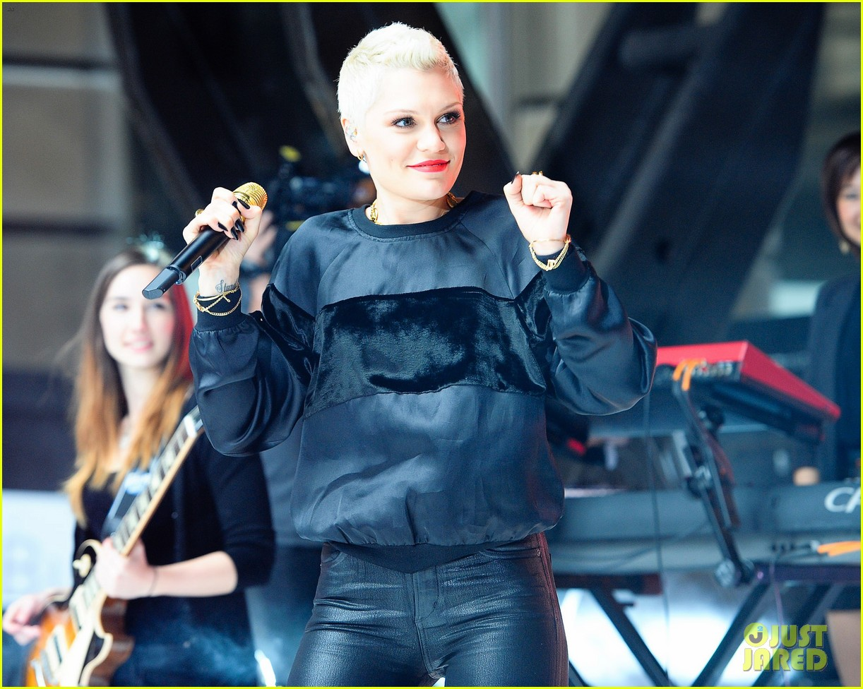 jessie j wild price tag live on sunrise 012936050