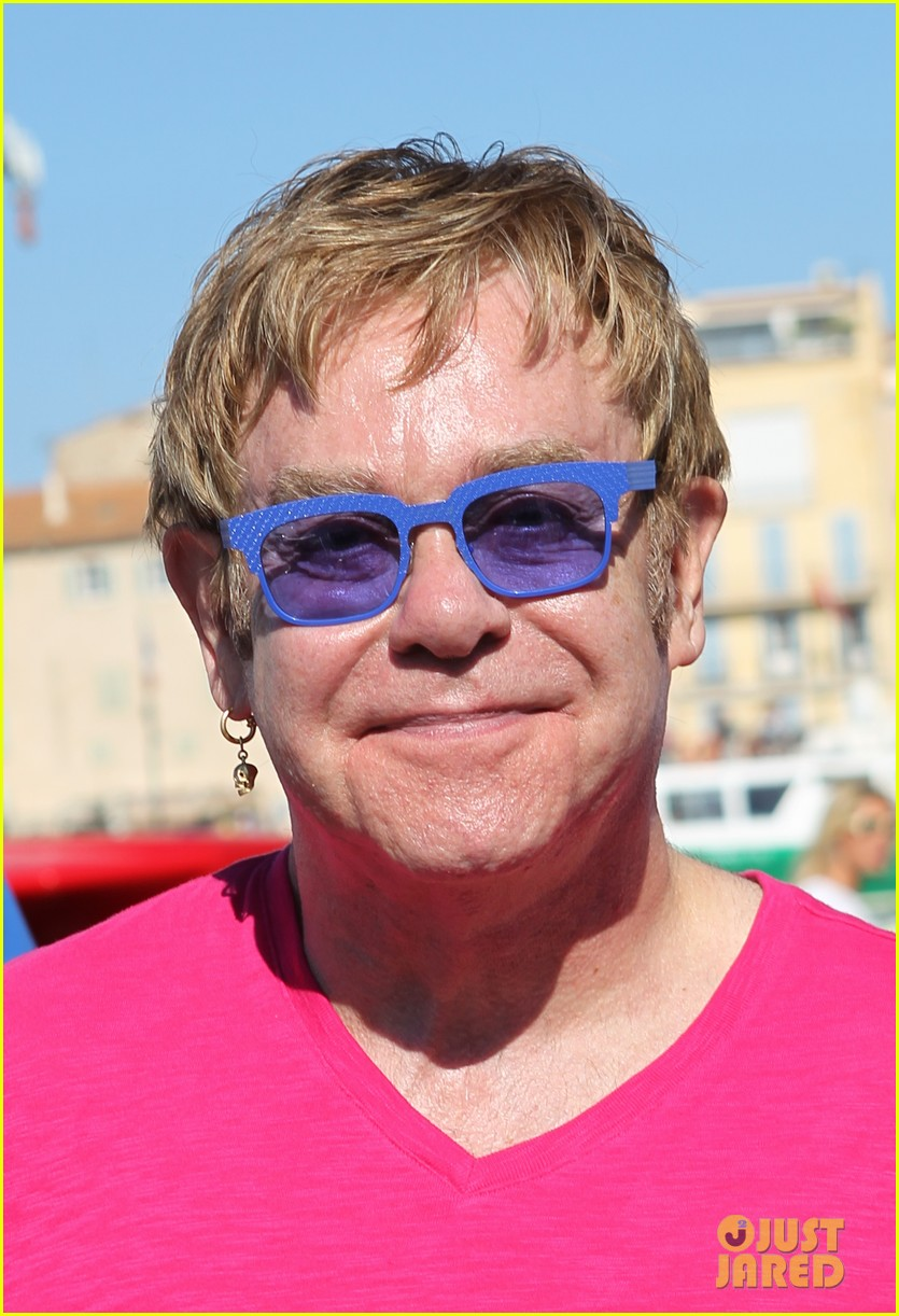 elton john vacations after appendicitis recovery 02