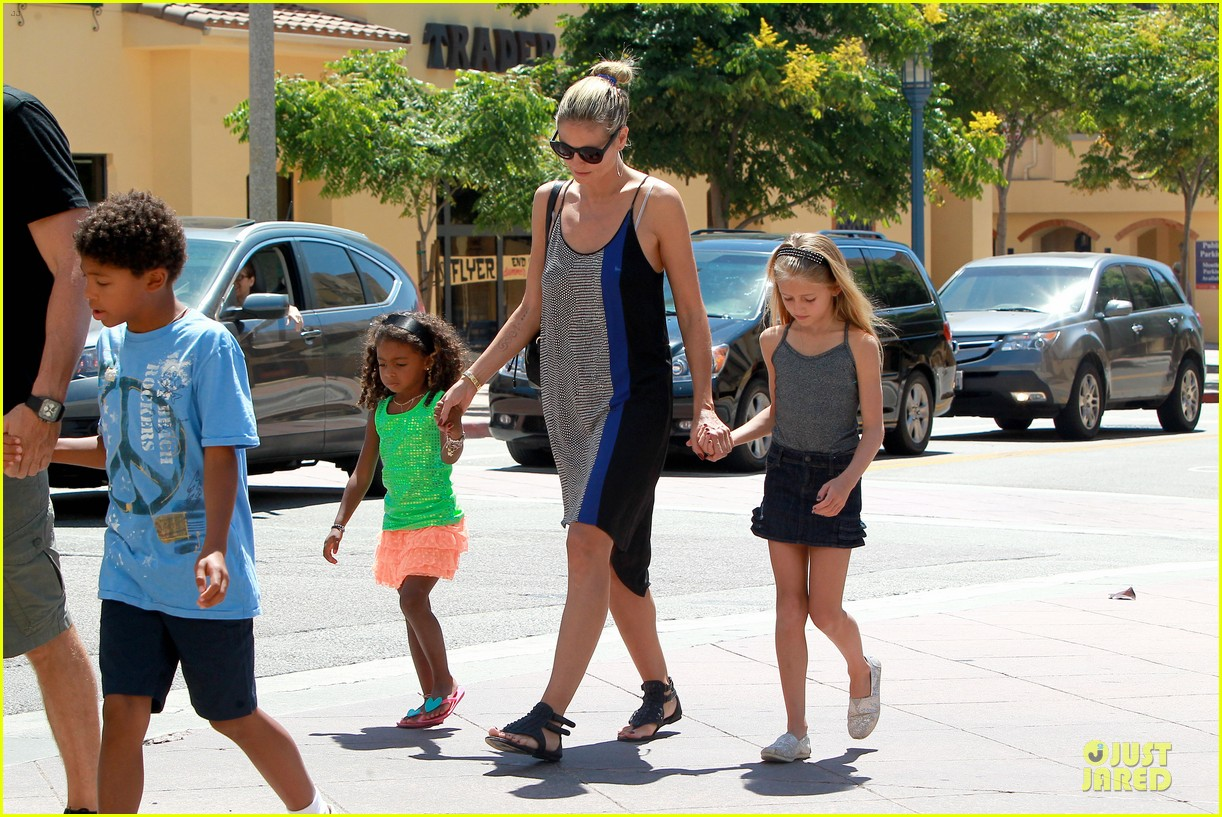 heidi klum martin kirsten beach bike ride with kids 262938460