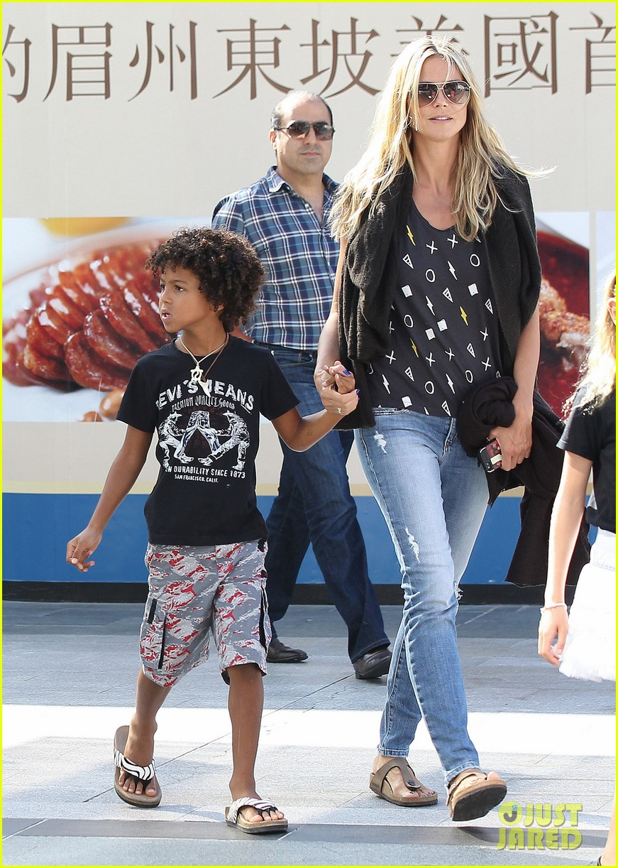 heidi klum enjoys family movie afternoon 20