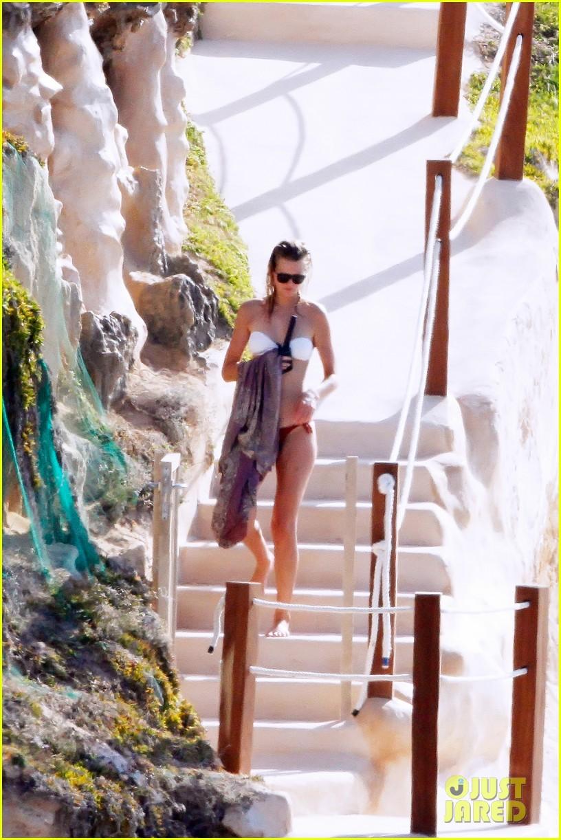 leonardo dicaprio bikini clad toni garrn vacation in ibiza 17
