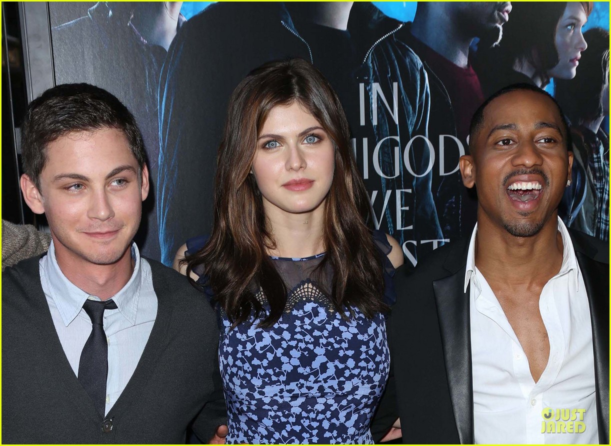 logan lerman alexandra daddario percy jackson la screening 122921314