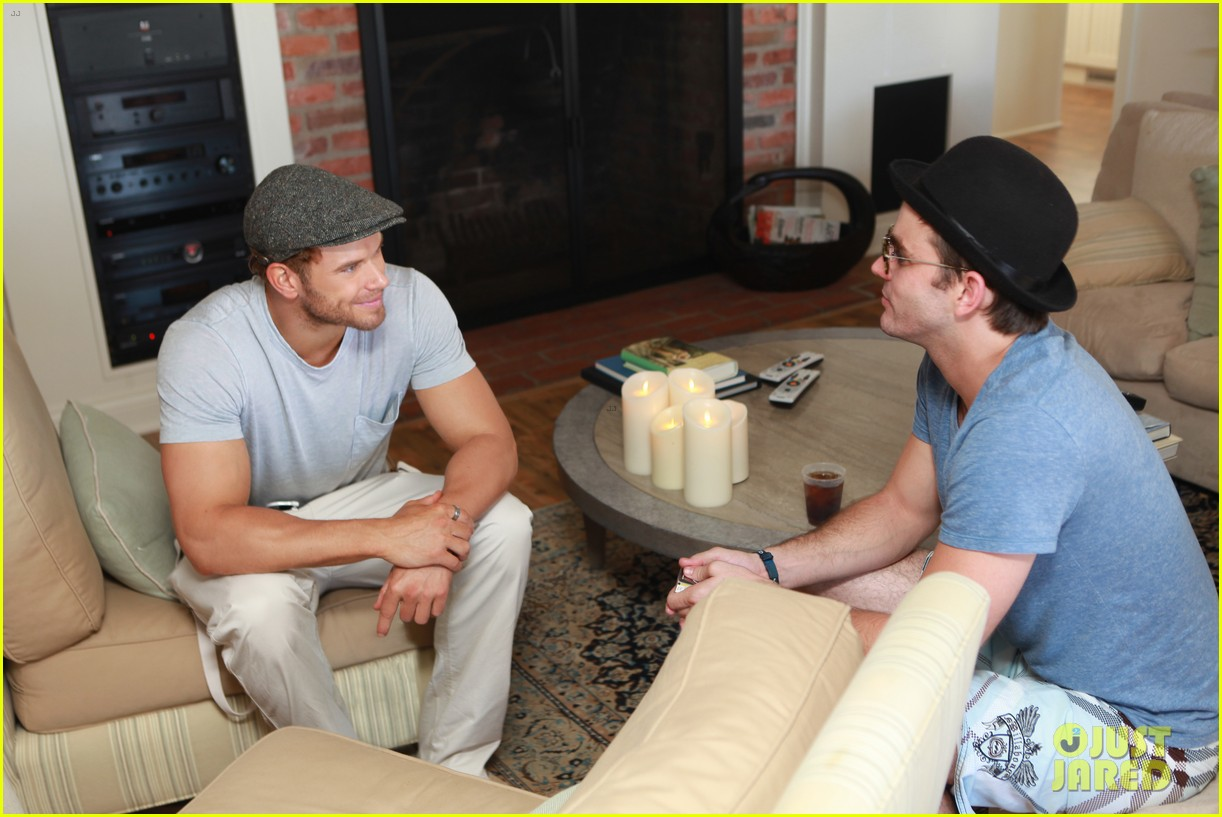 kellan lutz abbot main launch with ashley greene 052933389