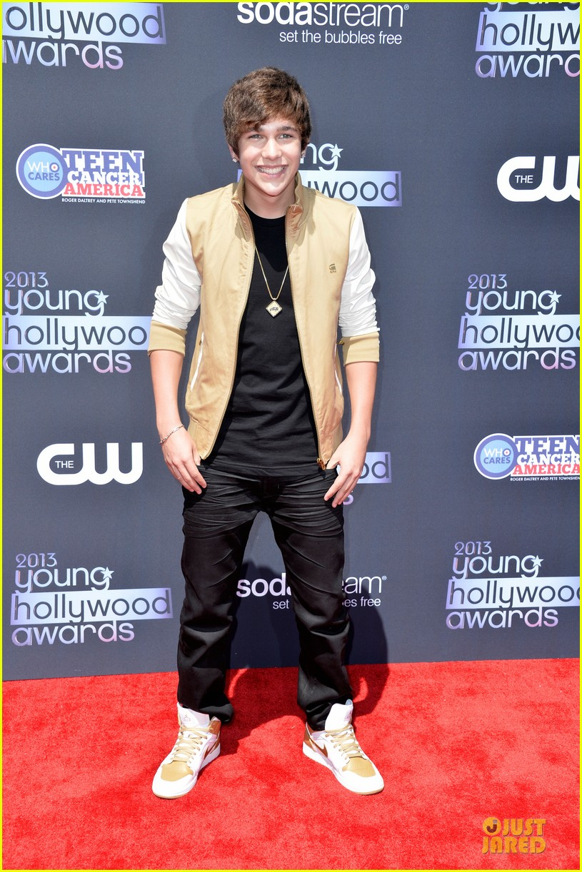 austin mahone becky g young hollywood awards 2013 red carpet 01