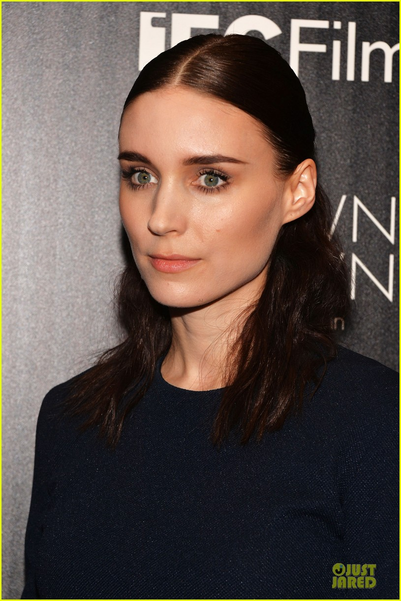 rooney mara bares midriff at aint them bodies saints screening 082929750