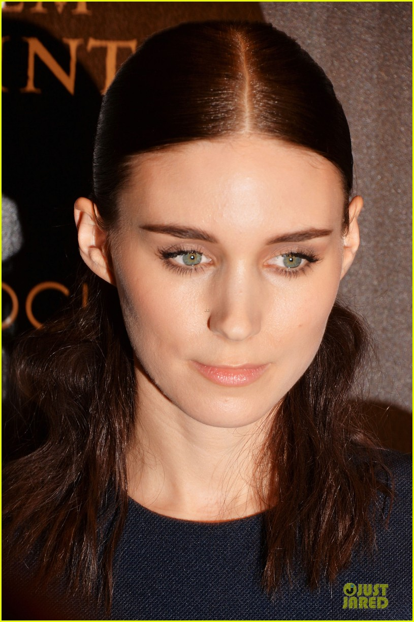 rooney mara bares midriff at aint them bodies saints screening 16