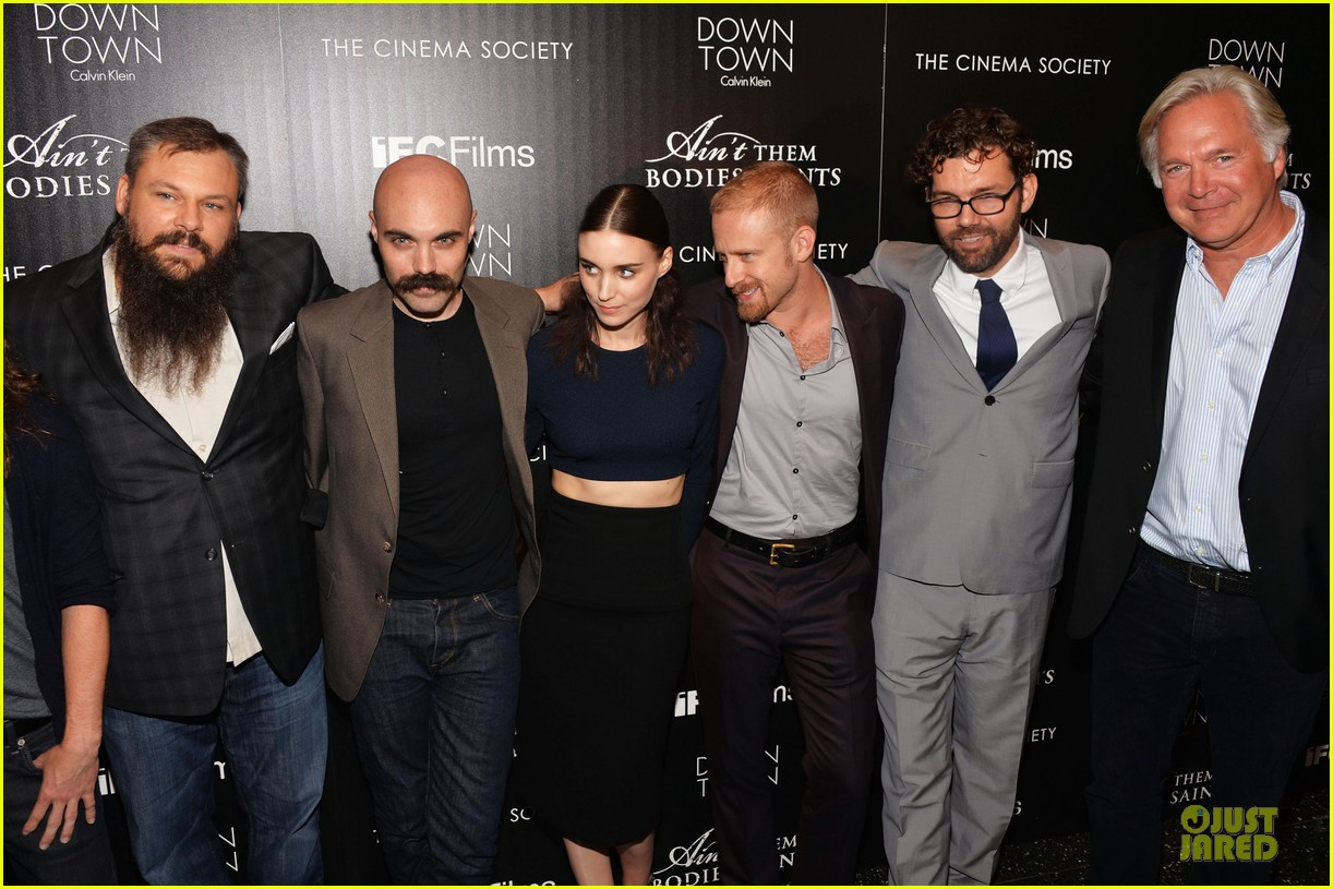 rooney mara bares midriff at aint them bodies saints screening 20