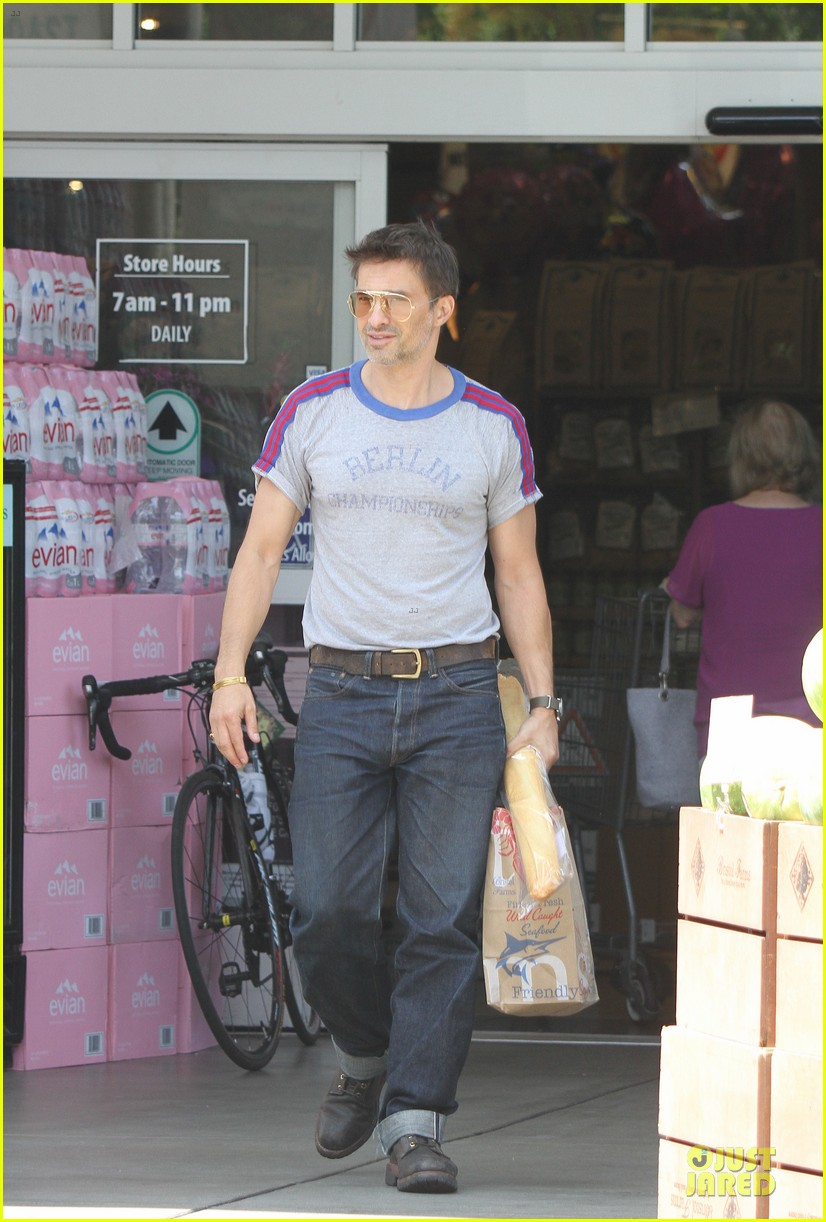 olivier martinez baguette craving after halle berry birthday 10