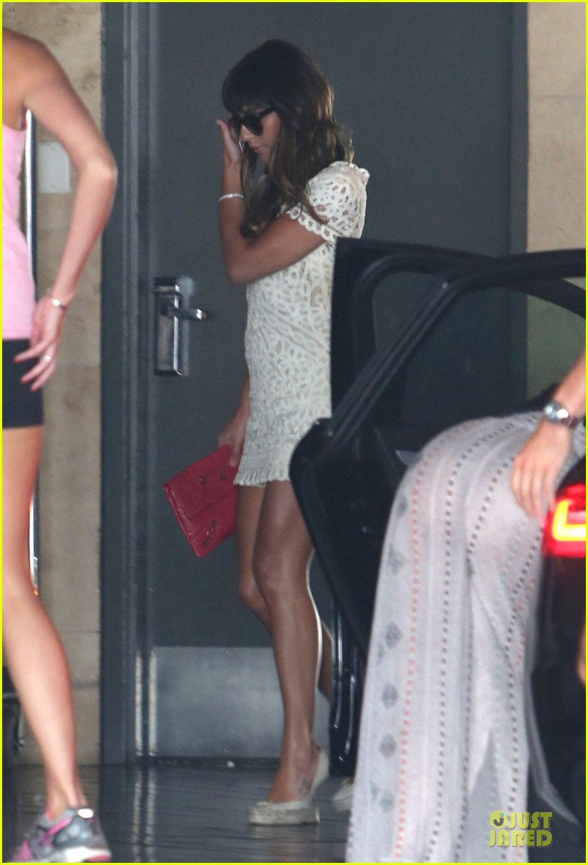 lea michele bravely steps out after cory monteith death 03