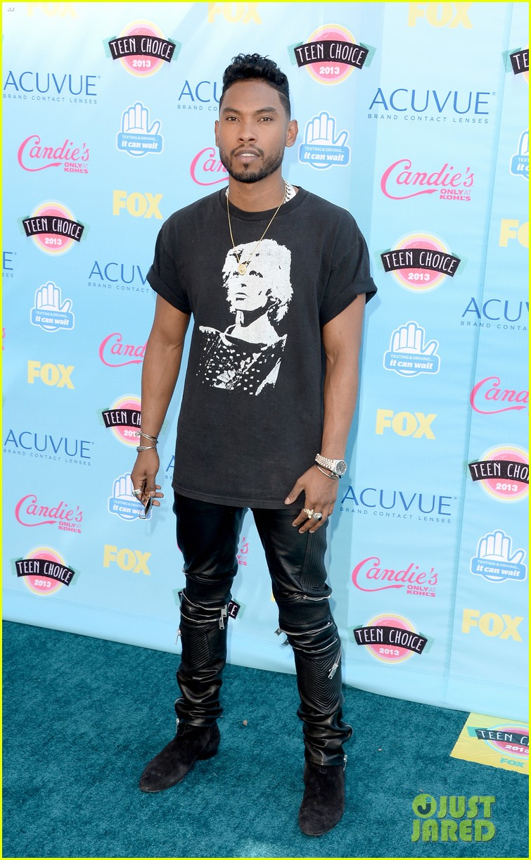 miguel teen choice awards 2013 nazanin mandi 01