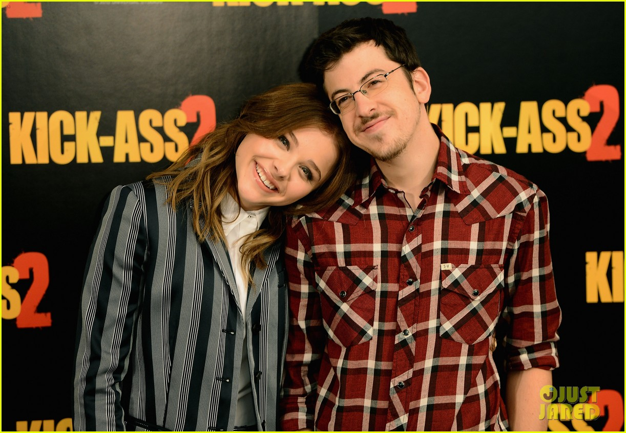 chloe moretz christopher mintz plasse kick ass 2 london photo call 02