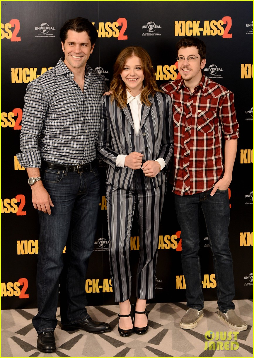 chloe moretz christopher mintz plasse kick ass 2 london photo call 12