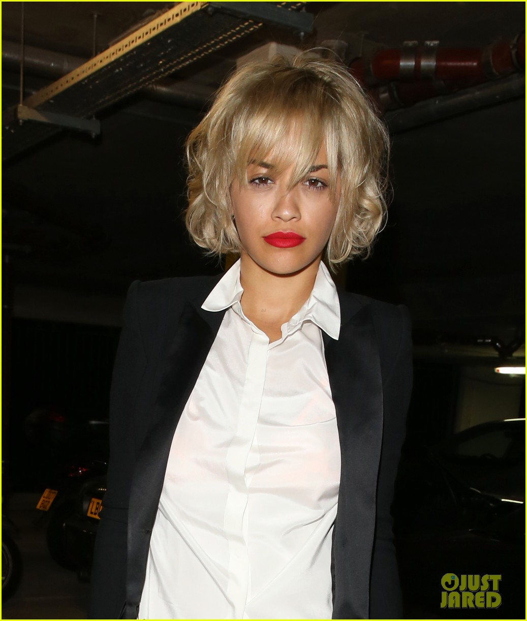 rita ora shows off new short hairdo at percy reed salon 15